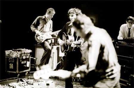 Wilco durante una actuación en el 2004