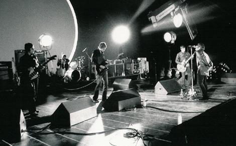 El grupo Oasis durante una actuación en directo