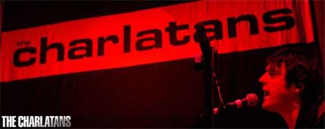 El logo de The Charlatans durante un concierto
