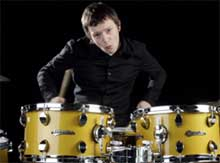 Chris Sharrock sustituye a Zak Starkey