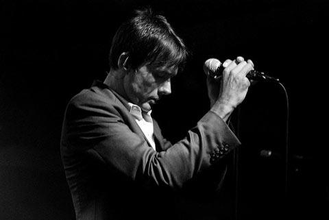 El cantante Brett Anderson