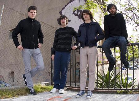 Foto promocional del grupo de musica Delorean