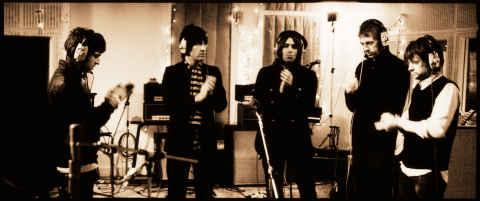 Oasis en el estudio de grabación