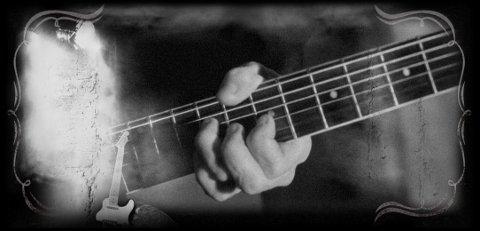 Alguien tocando la guitarra