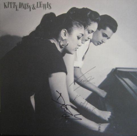 Vinilo firmado de Kitty, Daisy & Lewis