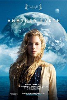 Cartel promocional de la película Otra Tierra