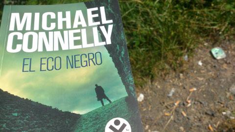 Portada del libro El eco negro de Michael Conelly