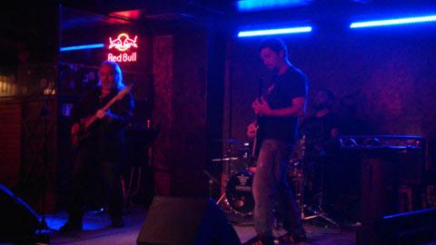 Actuación de Randy López en la sala El barco